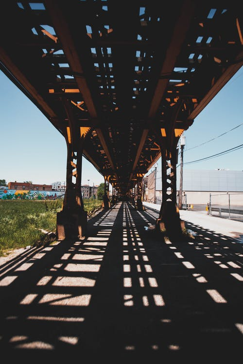 Fotos de stock gratuitas de acero, arquitectura, ferrocarril, perspectiva