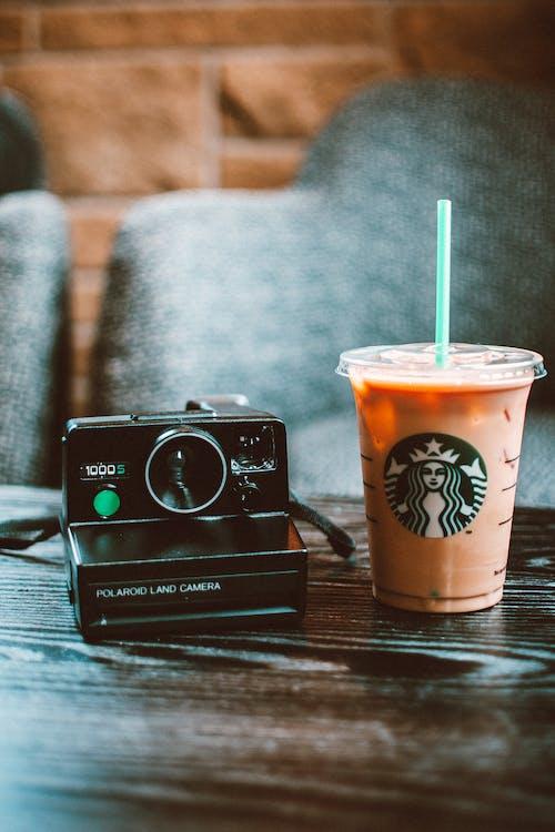 Ingyenes stockfotó csésze, csésze kávé, fényképezőgép, ital témában