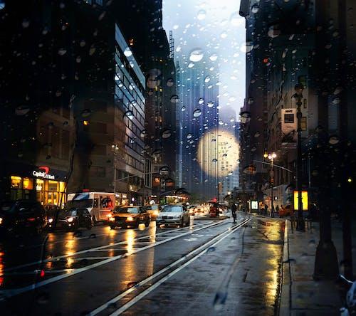 Darmowe zdjęcie z galerii z budynek, deszcz, noc, nowy jork