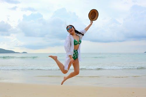 Kostnadsfri bild av avslappning, bikini, flätat hår, flicka