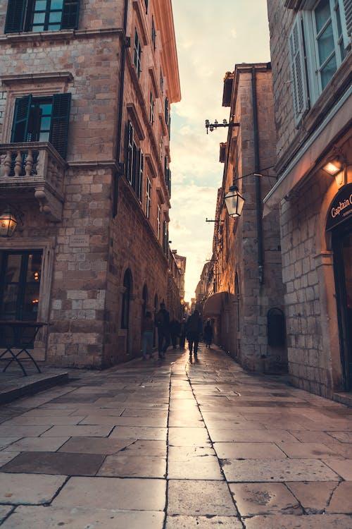 Photos gratuites de allée, architecture, bâtiments, chaussée