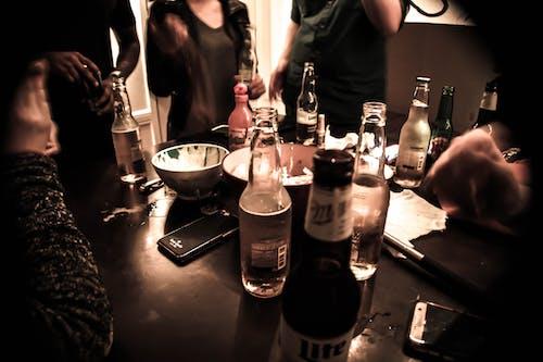 Gratis lagerfoto af cerveza, fiesta, flasker