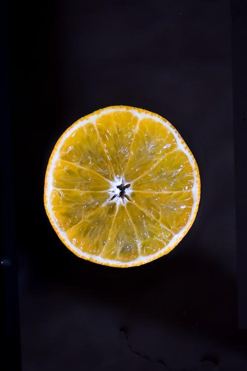 Základová fotografie zdarma na téma barva, černé pozadí, čerstvý, citron