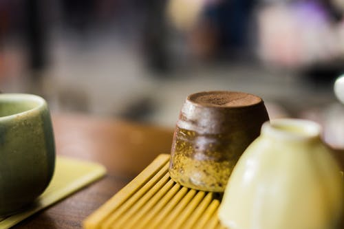 목조 테이블, 실내, 아침 식사, 점토의 무료 스톡 사진