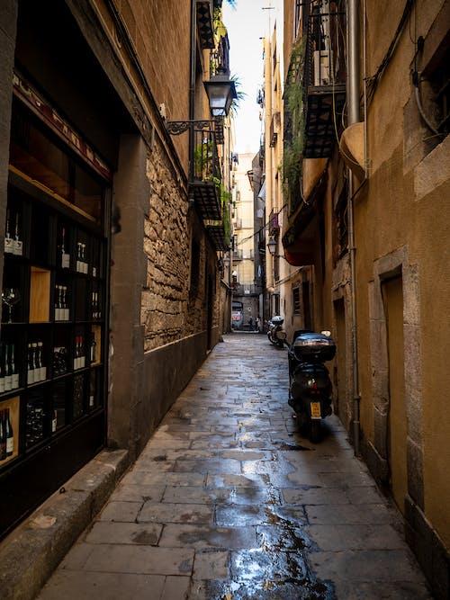 Foto stok gratis anggur, barcelona, jalan batu bulat, jalan kosong