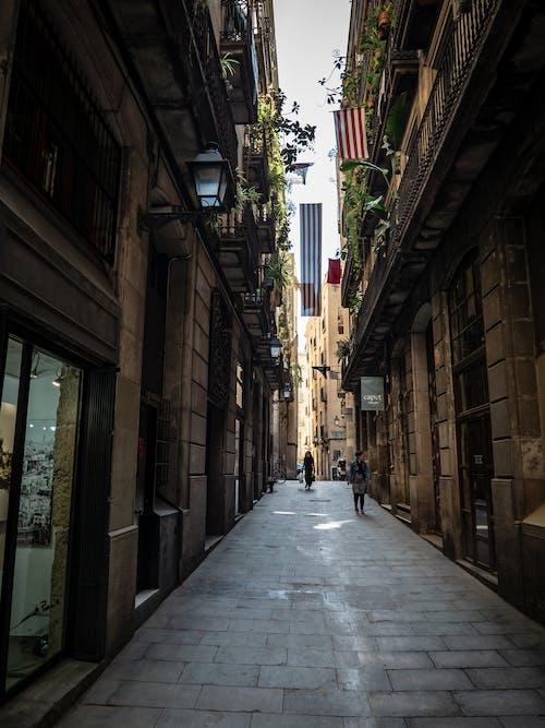 Foto stok gratis Arsitektur, bangunan apartemen, barcelona, bendera
