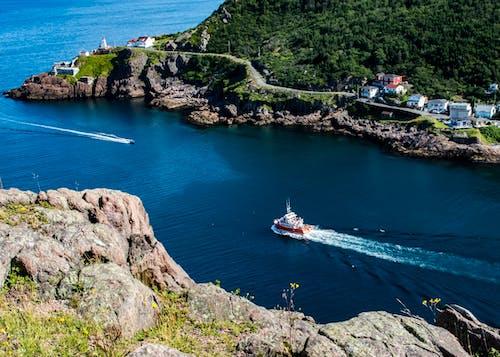 Kostnadsfri bild av båt, berg, dagsljus, fartyg