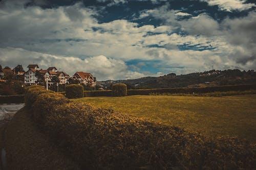 Gratis stockfoto met berg, buiten, daglicht, fabrieken