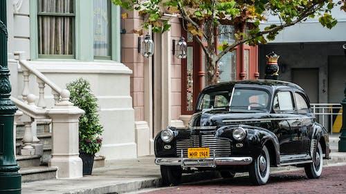 Δωρεάν στοκ φωτογραφιών με vintage, vintage αυτοκίνητο, αρχιτεκτονική, αστικός