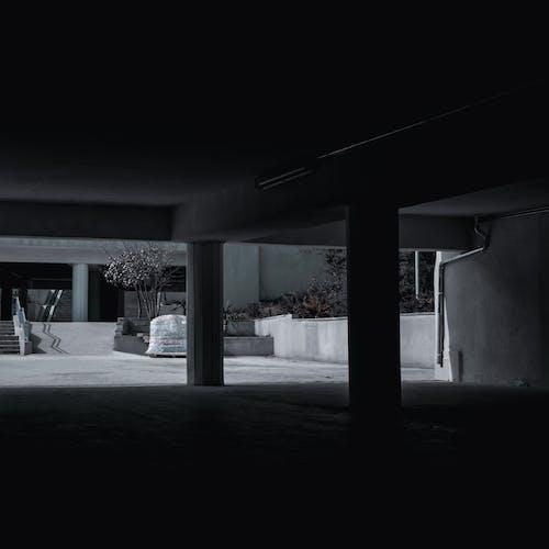 インドア, ガレージ, コンクリート, ダークの無料の写真素材