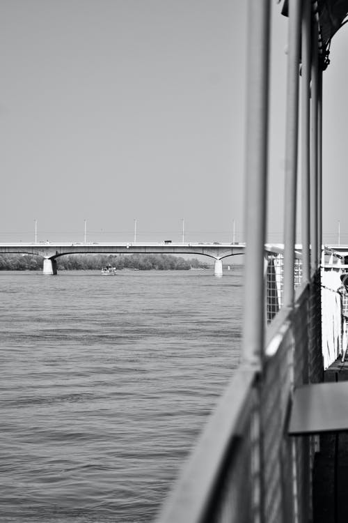 Ingyenes stockfotó fekete-fehér, hajóm csónak, híd, óceán témában