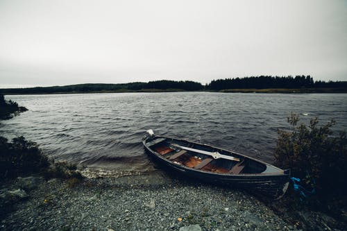 Kostenloses Stock Foto zu boot, fluss, kanu, landschaft