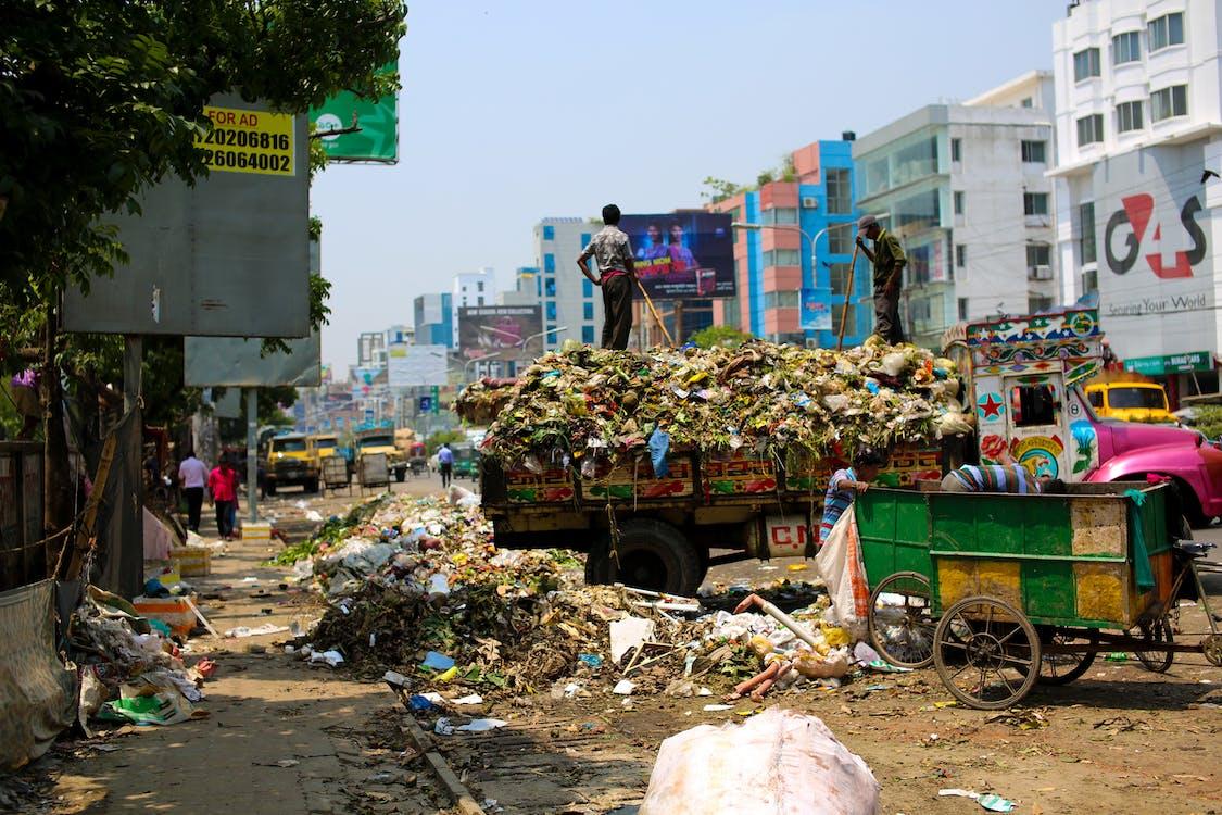 bangladesben, belváros, büdös