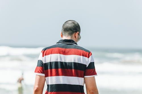 Ilmainen kuvapankkikuva tunnisteilla mies, rento asu, takanäkymä