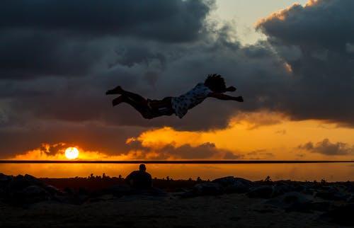 Δωρεάν στοκ φωτογραφιών με backflip, δύση του ηλίου, εικόνα φόντου, ηλιοβασίλεμα παραλία