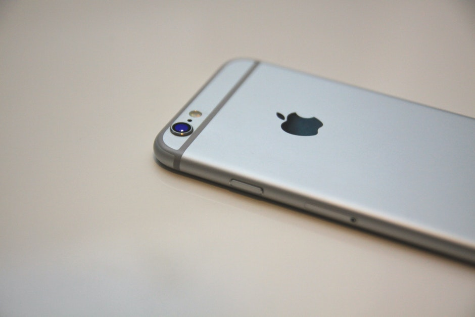 apple, apple device, cellphone