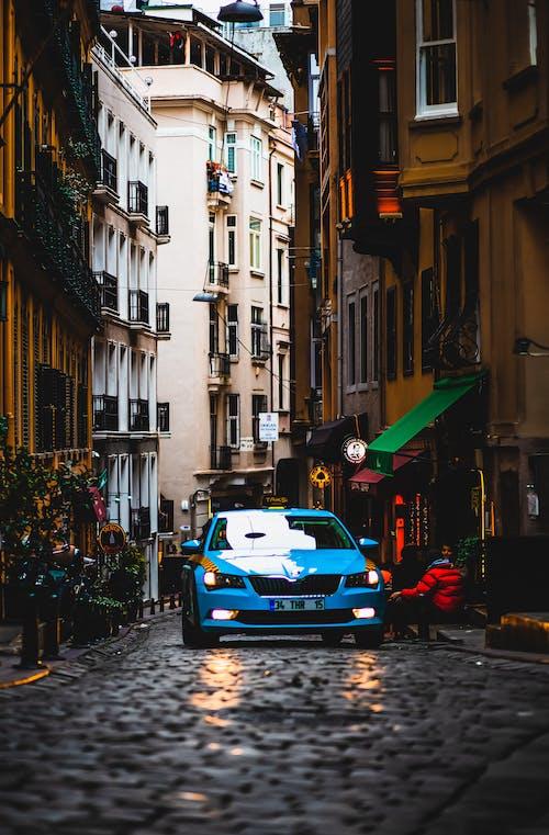 Δωρεάν στοκ φωτογραφιών με αρχιτεκτονική, αστικός, αυγή, αυτοκίνητο