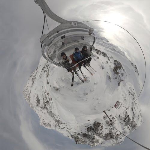 Fotobanka sbezplatnými fotkami na tému lanová dráha, littleplanet, lyže, lyžiarska lanovka