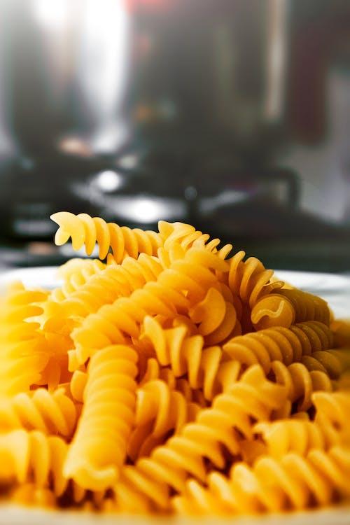 Foto d'estoc gratuïta de carbohidrat, deliciós, fotografia d'aliments, fusili