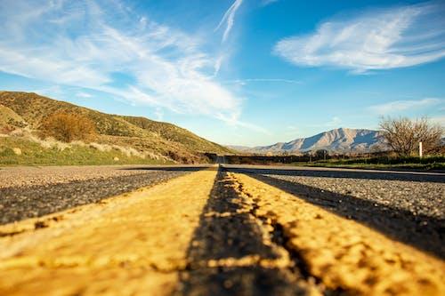 Immagine gratuita di asfalto, autostrada, gita (viaggio), prospettiva