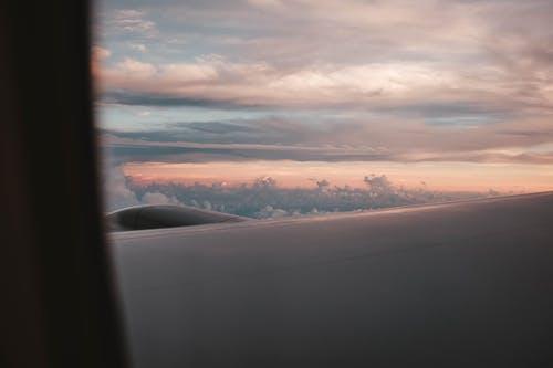 Бесплатное стоковое фото с Авиация, атмосфера, воздух, закат