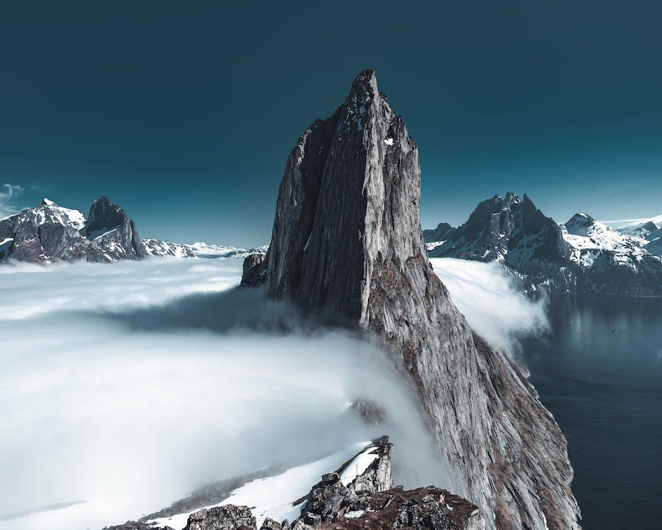 rra Mountain
