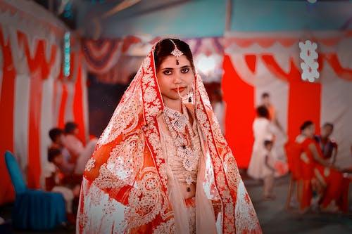 Základová fotografie zdarma na téma červená, festival, kostým, krása