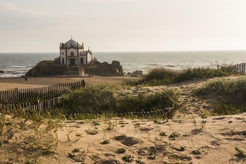 Foto d'estoc gratuïta de capella, platja