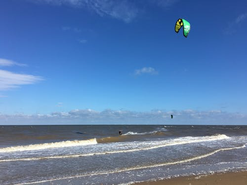norfolk, plaj, yamaç paraşütü içeren Ücretsiz stok fotoğraf