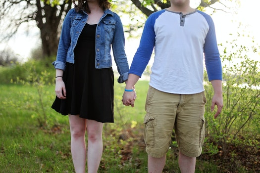 Free stock photo of shorts, couple, hands, love