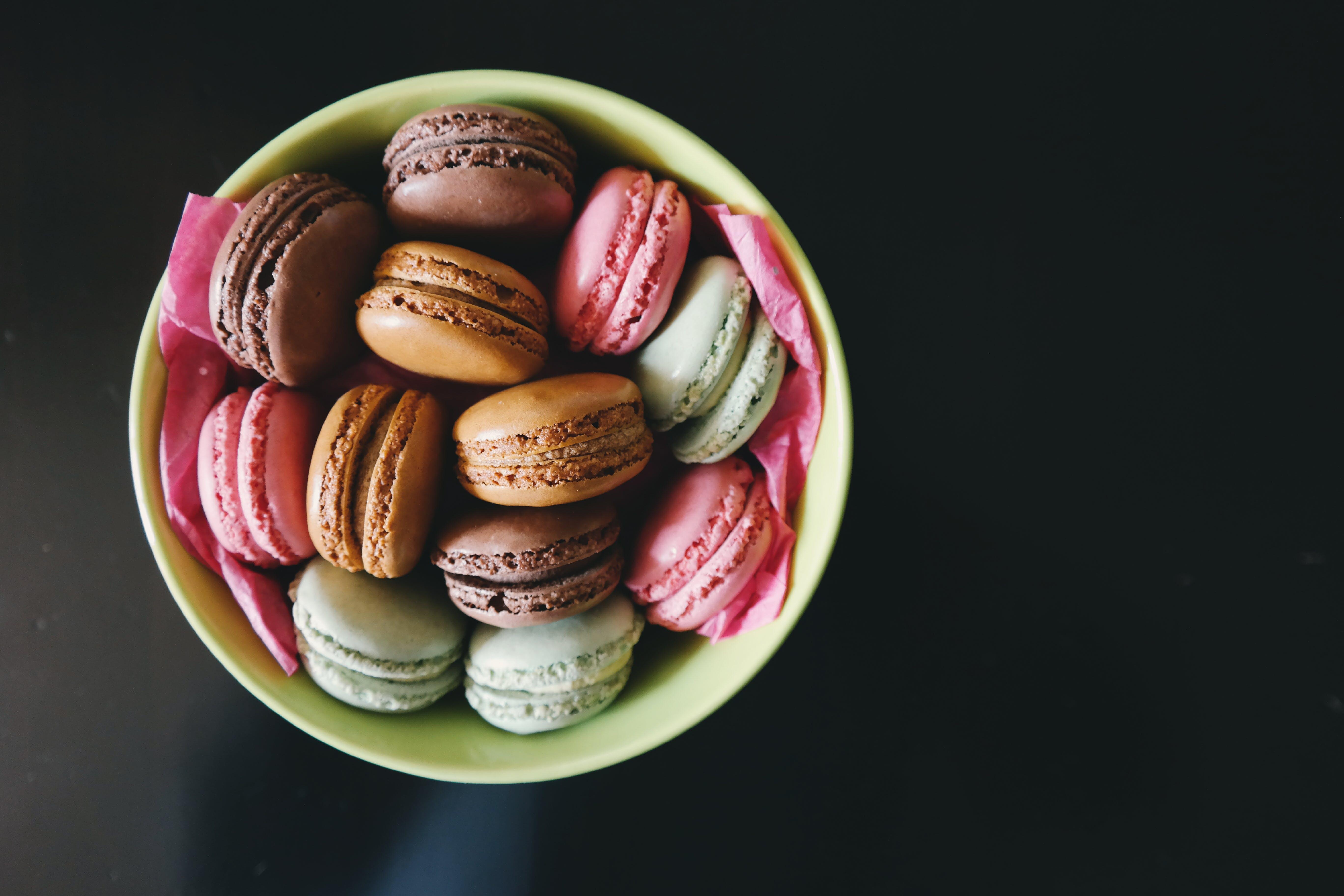 Kostenloses Stock Foto zu dessert, essen, makronen, schüssel