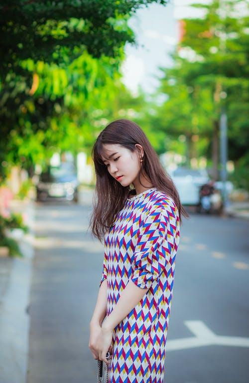 Immagine gratuita di alla moda, capelli, concentrarsi, donna