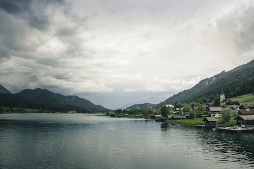Darmowe zdjęcie z galerii z austria, chmury, domy, drzewa