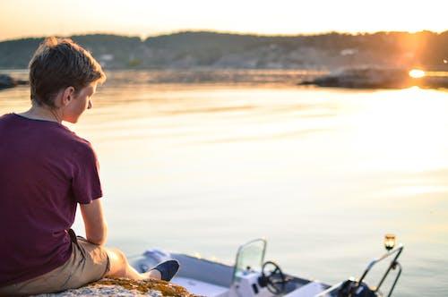 Fotobanka sbezplatnými fotkami na tému chlapec, človek, loď, rekreácia