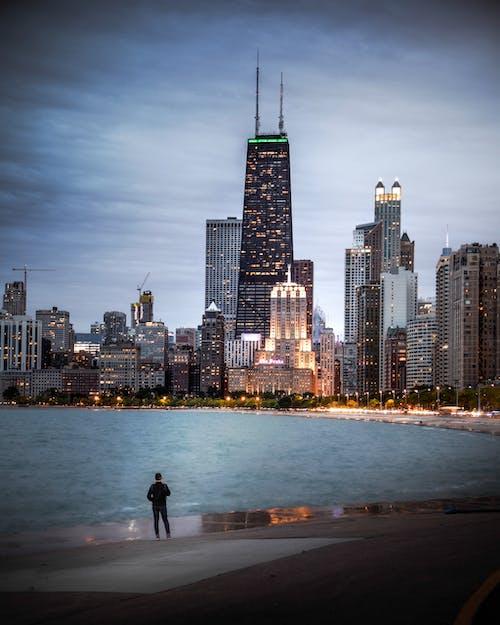 Foto stok gratis air, Amerika Serikat, Arsitektur, awan