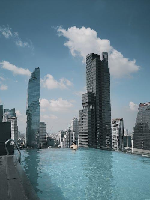 Foto profissional grátis de água, ao ar livre, arquitetura, arranha-céu