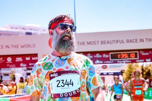 Foto d'estoc gratuïta de a l'aire lliure, barba, carrera (competència), competició