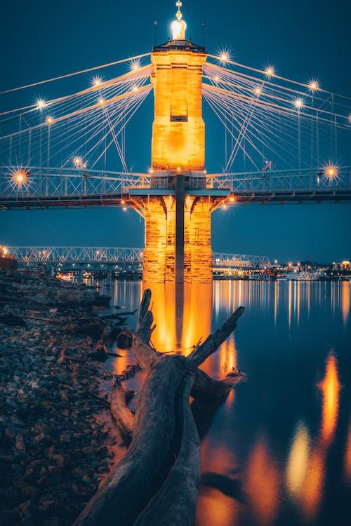 吊橋, 城市, 基礎設施, 岩石 的 免費圖庫相片