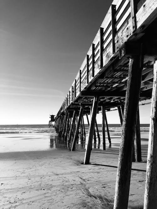 Безкоштовне стокове фото на тему «берег моря, дерев'яний причал, док, міст»
