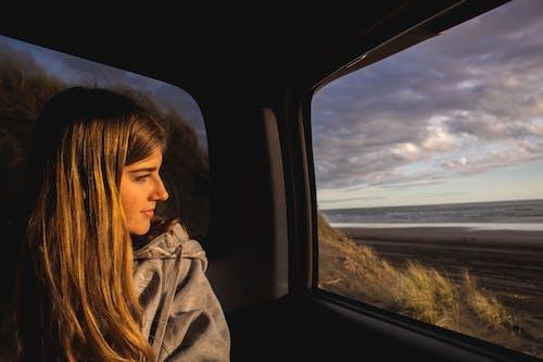 交通系統, 人類, 休閒, 嘴唇 的 免費圖庫相片