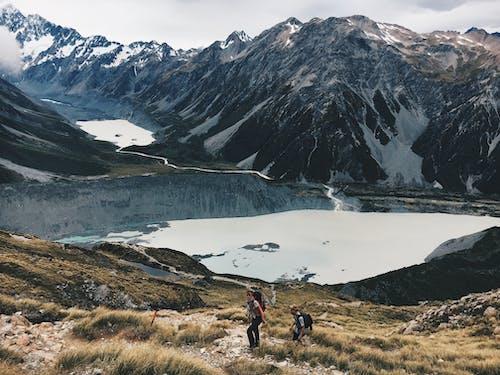 Foto d'estoc gratuïta de alpinisme, aventura, caminada, caminants