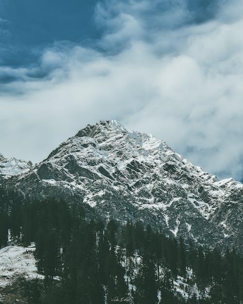 Безкоштовне стокове фото на тему «вершина гори, високий, гора, краєвид»