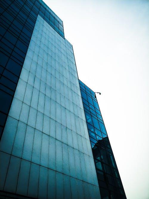 Gratis stockfoto met appartementencomplex, architectueel design, architectuur, bedrijf
