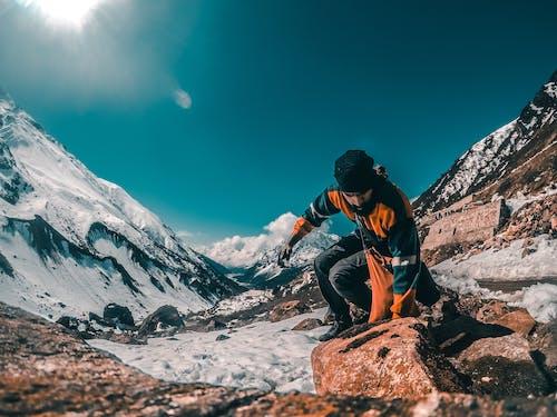 人, 健行, 冒險, 冬季 的 免费素材照片