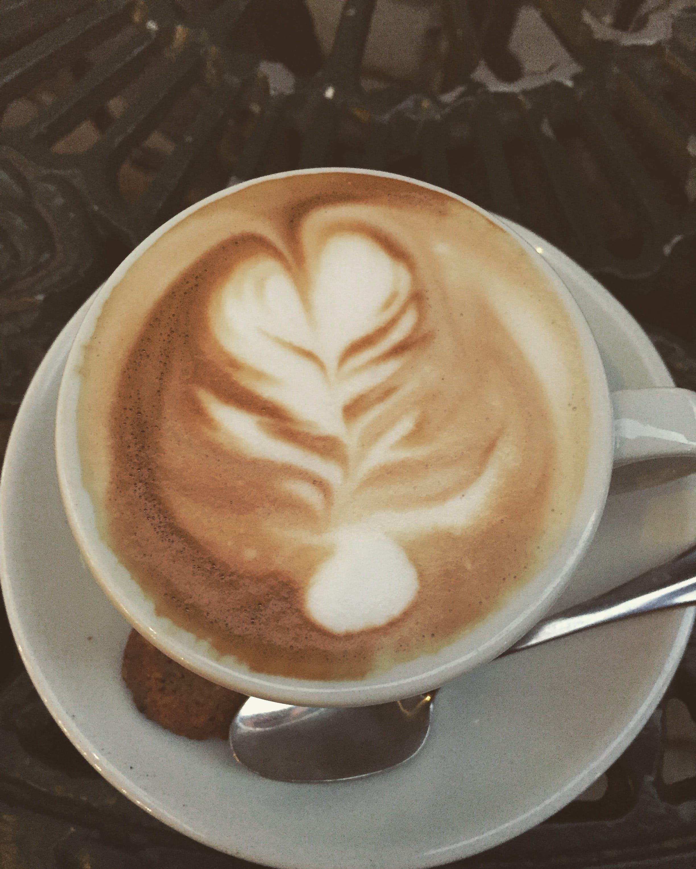Latte Art in Teacup