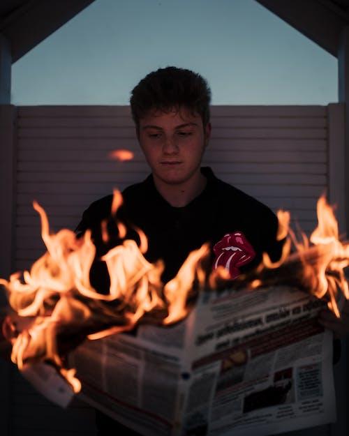 Immagine gratuita di ardente, fiamma, fuoco, giornale