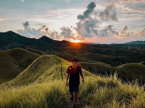 Δωρεάν στοκ φωτογραφιών με άνδρας, άνθρωπος, απογευματινός ήλιος, βουνά