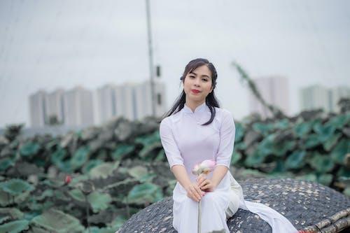 Gratis arkivbilde med asiatisk kvinne, bruke, kvinne, pen