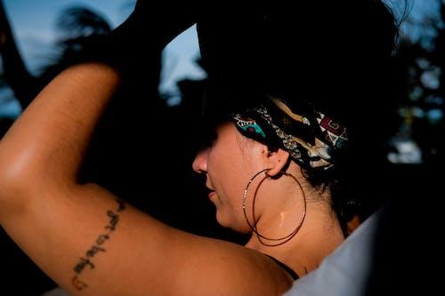 スマイル, ドリンク, 光, 女性の無料の写真素材
