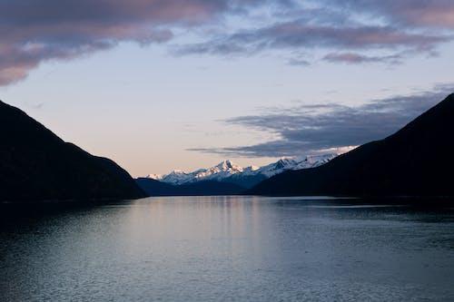 Foto d'estoc gratuïta de a l'aire lliure, alba, cel, cobert de neu